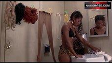 Lauren Jones Hot Scene – Car Wash