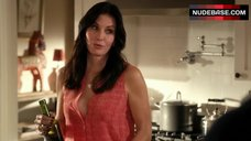 Courteney Cox Cleavage – Cougar Town