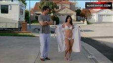 Courteney Cox Shows White Lingerie – Cougar Town