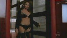 Jennifer Garner Lingerie Scene – Alias