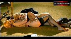 Sybil Danning Topltss in Lesbi Scene – Bluebeard
