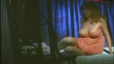Angelique Pettyjohn Hot Scene – The Mad Doctor Of Blood Island