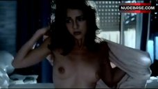 Maruschka Detmers Shows Boobs and Butt – Devil In The Flesh