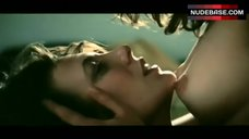 Maruschka Detmers Shows Tits in Lesbi Scene – La Pirate