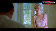 Ariadna Gil Hot Scene – Masterpiece
