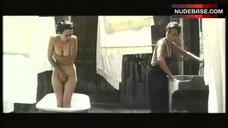 Ariadna Gil Naked Scene – Libertarias