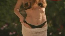 Amelia Heinle Bikini Scene – Liar'S Poker