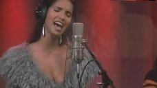 Padma Lakshmi Cleavage – Glitter