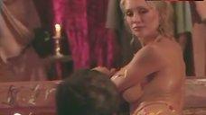 Wendi Winburn Shows Tits and Ass – Amazons And Gladiators