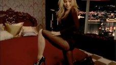 Carmen Electra Striptease Scene – Carmen Electra'S Aerobic Striptease