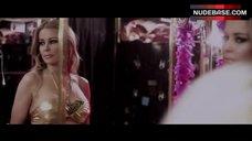 Sexy Carmen Electra in Locker Room – Lap Dance