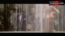 Farrah Fawcett Nude in Fontain – Dr. T And The Women
