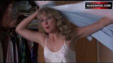 Teri Garr Pokies Through Silk Top – Out Cold