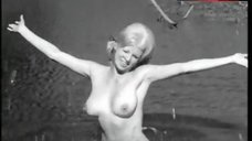 Lorna Maitland Swims Nude – Mudhoney