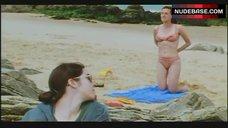 Sasha Hails Bikini Scene – See The Sea