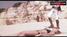 5. Susan George Bikini Scene – Die Screaming Marianne