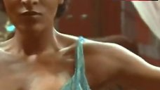 Pam Grier Erotic Dance – The Arena