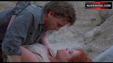 5. Melanie Griffith Intim Scene – Cherry 2000