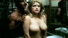 Mannette nackt Laurie  Hur att
