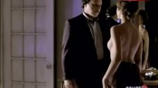 Sharon Lawrence Shows Breasts – Nypd Blue