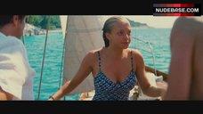 Amanda Seyfried Sexy – Mamma Mia!