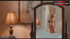 Amanda Seyfried Naked in Bathroom – Chloe