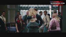 Amanda Seyfried Butt Crack – Dear John
