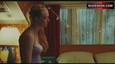 7. Amanda Seyfried Hot Lesbian Kiss – Jennifer'S Body