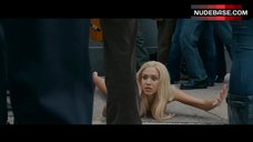 Jessica Alba Naked on Ground – Fantastic 4: Rise Of The Silver Surfer