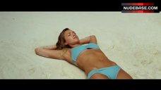 Jessica Alba in Bikini on Beach – Mechanic: Resurrection
