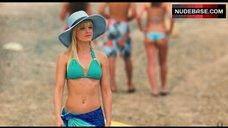 Mena Suvari Bikini Scene – American Reunion