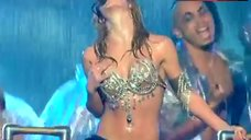 Britney Spears Wet on Stage – Britney Spears Live From Las Vegas