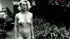 Andrea Thompson Full Naked – A Gun, A Car, A Blonde