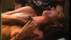 Neith Hunter Shows Breasts – Silent Night, Deadly Night 4