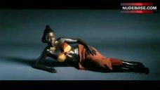 Beyonce Knowles Bikini Photo Shoot – Dreamgirls