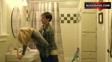 Elizabeth Banks Sex in Bathroom – The Details