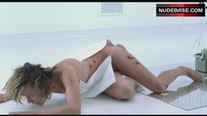 Milla Jovovich Flashes Tits and Pussy – Resident Evil