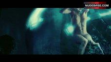Milla Jovovich Nude in Underwater – Resident Evil: Extinction