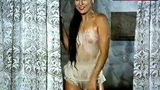 Amparo Grisales Nipples Through Wet Underwear – Casa De Munecas Para Adultos