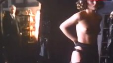 Patsy Kensit Exposed Boobs – Beltenebros