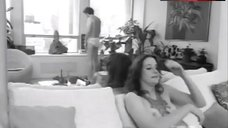 Sally Kirkland Shows Boobs, Ass and Bush – Coming Apart