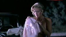 Sally Kirkland Bare Breasts and Ass – Cheatin' Hearts