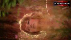Gurney nackt Sharon  Sharon Gurney