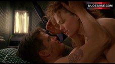 Dina Meyer Shows Tits – Starship Troopers