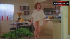 Julianne Moore Nude Pantiless – Short Cuts