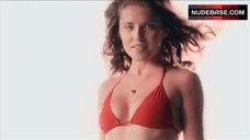 Marika Dominczyk Bikini Scene – Get Smart'S Bruce And Lloyd Out Of Control