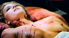 Rosanna Yanni Shows Boobs in Lesbian Scene – Count Dracula'S Great Love