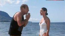 Sarah Jessica Parker Hot in White Swimsuit – Honeymoon In Vegas