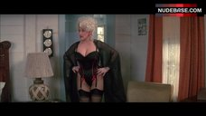 Dolly Parton Shows Sexy Black Underwear – The Best Little Whorehouse In Texas