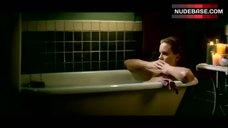 Elizabeth Perkins Boobs Scene – Moonlight And Valentino